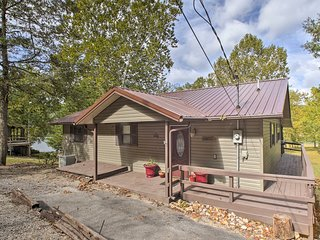 NEW! Lakefront Table Rock Home - 2 Porches, Kayaks