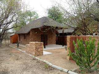 Berghaan Bush Cottage, Marloth Park, South Africa