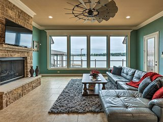 NEW! Lakefront Home w/Dock 15 Mins to DT Granbury!