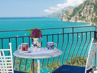 Sea-view villa and pool in Positano (3 bedrooms)
