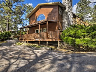 NEW! Ruidoso Cabin w/Pool Table & Deck Near Skiing