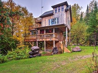 'Eagle's Nest' Mountain Eco-Home Near Oconto River
