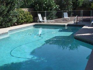 3 BR 2BA Private Villa - Huge Heated Pool