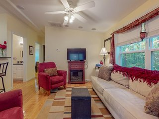 NEW LISTING! Cottage w/sun room, fireplace & shared pool/hot tub/gym -near beach