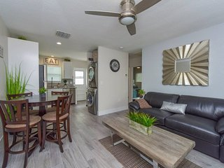 2Bed/1Bath Newly Renovated, Steps from Beach with Pool Access!!- Sun & Sea #2