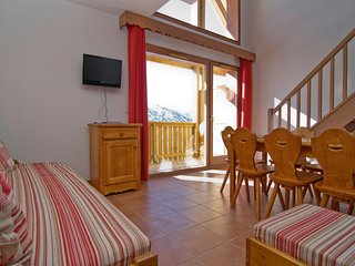 Close to the Lifts in Valmeinier! Cozy + Rustic Apartment