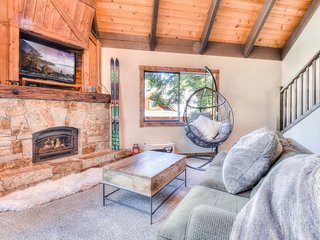 Tahoe Home w/ Hot Tub, Nearby Ski Hill & Downtown!