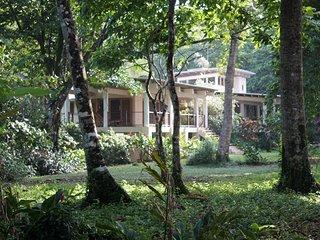 Casa de las Olas-Private Beach Front Villa