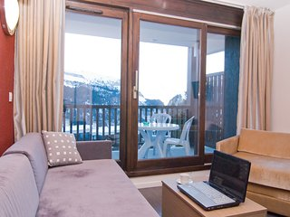 Modern Ski-in/Ski-out Apartment in Flaine | Great Location!