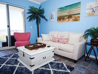 TRENDY Gulf Shores area retreat with a View BEST PRICES and NEWLY UPDATED