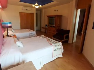 Room in Oaxaca City for up 4 people by Villas HK28 !!!