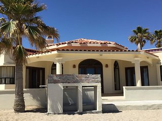 Ocean Front Private 3 BR/3 BA Beach Home in Las Conchas, Steps to the Beach