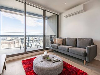 Melbourne Docklands 2 BR Modern Apartmen w Parking