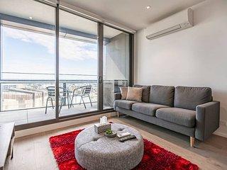 Melbourne Docklands 2 BR Modern Apartmen w Parking