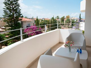 2 Bedroom Top Floor Apartment in Sirena Bay