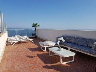 3 pièces 84m² Promenade des anglais dernier étage vue mer solarium de 40m²