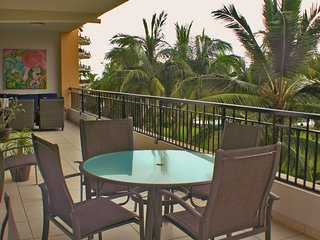 Stunning BEACHFRONT condo with private terrace, Playa Royale Beachfront resort.