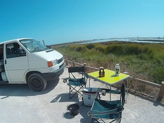 Camping BUS VW T4 to Relax, Surf & Discover. We also rent surf & stand-up boards