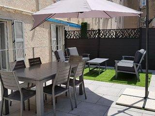 Cannes Centre 5 pieces renove 134m2 + terrasse 70m2 200m du Palais et des plages