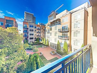 Belltown 2BR w/ Fantastic Amenities - Courtyard & Pool