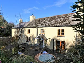 BLATCHFORD FARM, dog-friendly, Bridestowe