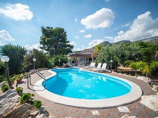 Villa La Vela con piscina e spiaggia privata Scopello