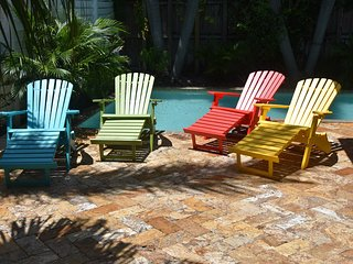 FLL Beach Bungalow Charmer minutes to Beach!