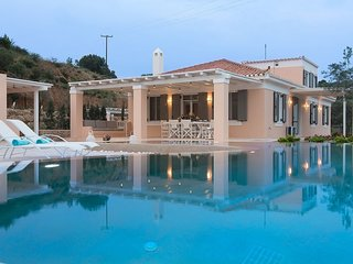 5 bedroom Villa with Pool, Air Con and WiFi - 5682469