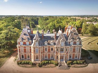 9 bedroom Chateau in La Jumelliere, Pays de la Loire, France : ref 5682460