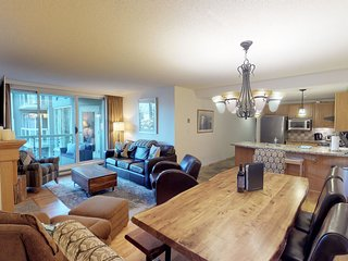 FREE ACTIVITIES - Spacious SKI IN / SKI OUT Home by Harmony Whistler