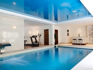 NEW Luxury 5BD Mansion with Indoor Pool Cheshire