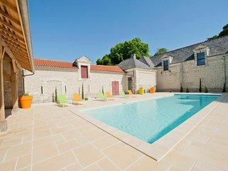 Razines Chateau Sleeps 14 with Pool - 5682461