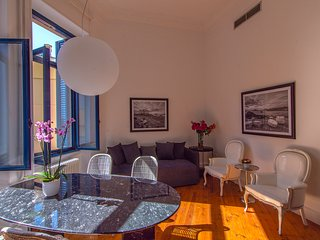 Art Pantheon Suite 2 in Plaka by JJ Hospitality
