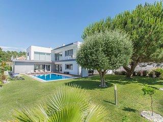Villa Kaunis - New!