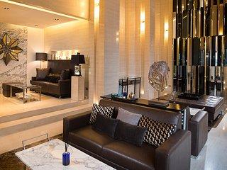 Luxury 1BR Condo