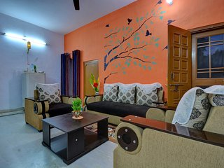 The Pink City Traveler's Home- A 3 Bedroom Home with Breakfast