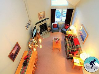 Pico E304 - Two Bedroom plus Loft Walk to Lift & Ski Home To Your Back Door