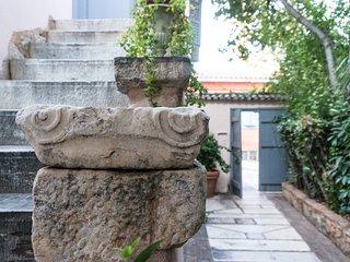 Acropolis Villa in Plaka by JJ Hospitality