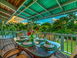 Hale Anu Keanu, Newly Remodeled, Plantation Style Home with AC, Hot Tub, Walking