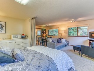 NEW LISTING! Sophisticated suite w/ a kitchenette & easy beach access!