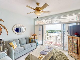 NEW LISTING! Waterfront condo w/ shared pool and hot tub & amazing water views