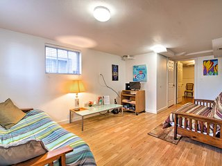 NEW! Eastlake Apartment 3 Mi. to Downtown Seattle!