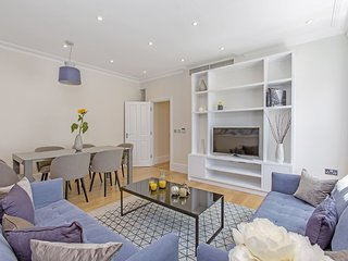 Newly renovated 2 bedroom apartment in Knightsbridge London