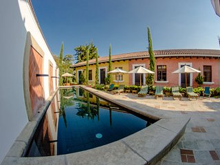 Beautiful Villa with Heated Pool