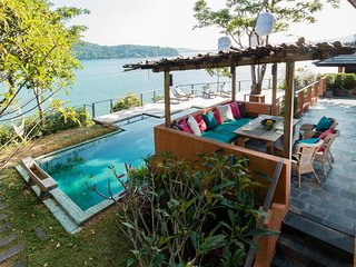 Nam Bo Villa by Lofty - Oceanfront private pool villa with maid and cook