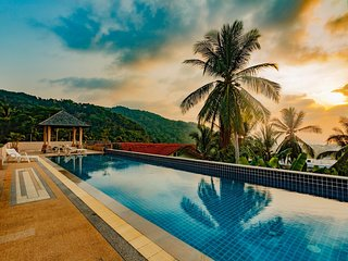 KTV- Sea view pool villa in Kata for 10 people, Big Buddha views