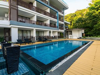 N309 - Seaview studio in Nakalay resort in Kamala, pool, gym and walk to beach
