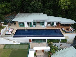 Parinda  - seaview private pool villa and cinema. Basketball, foosball, ping