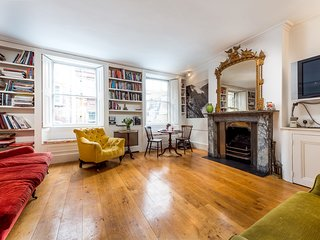 Classic Covent Garden Home by Trafalgar Square