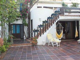 Monte Gordo Family Villa apartment in Monte Gordo with WiFi, private terrace, pr